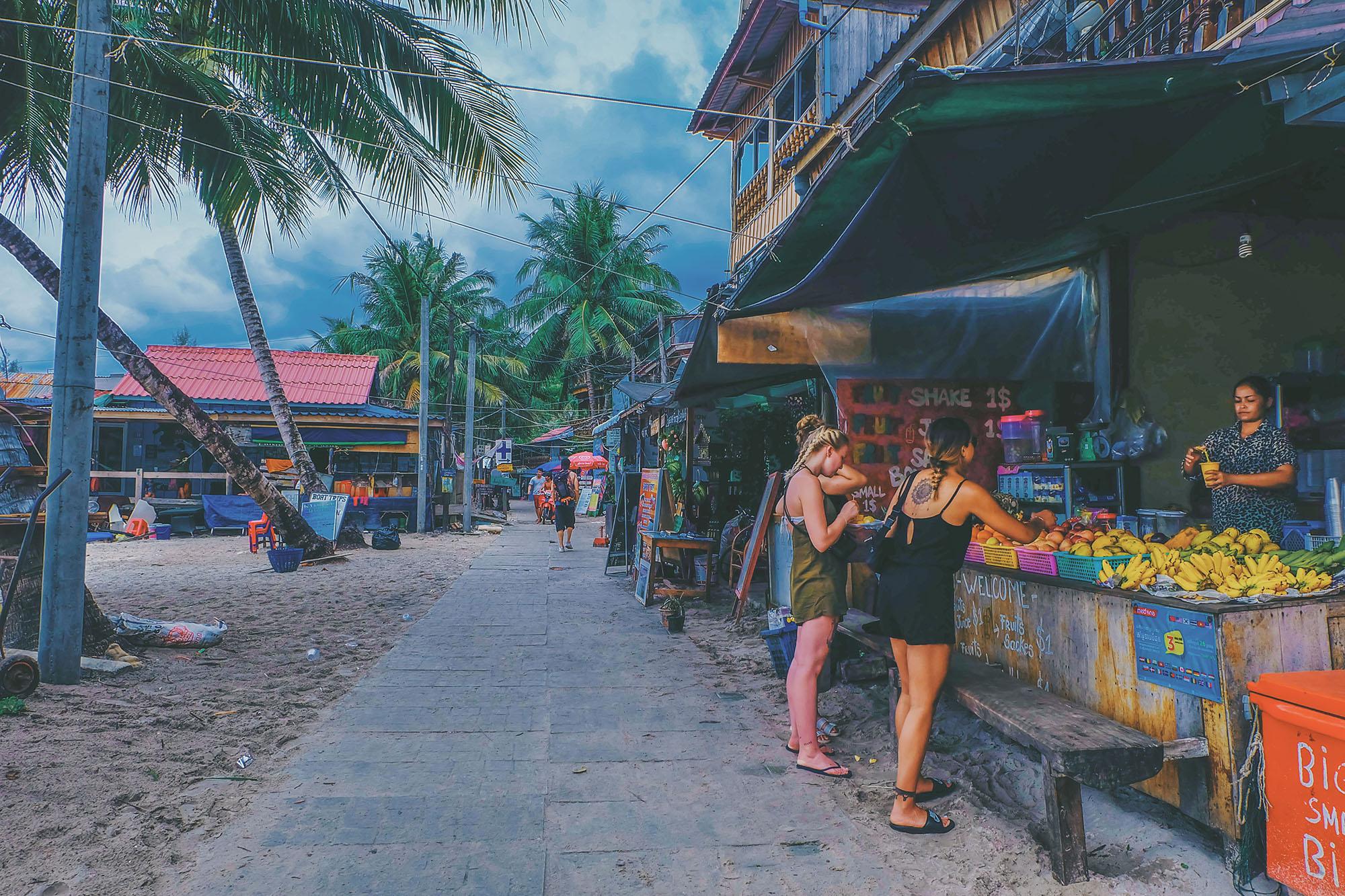 koh rong - Nên chọn đi đảo Koh Rong hay đảo Koh Rong Samloem?